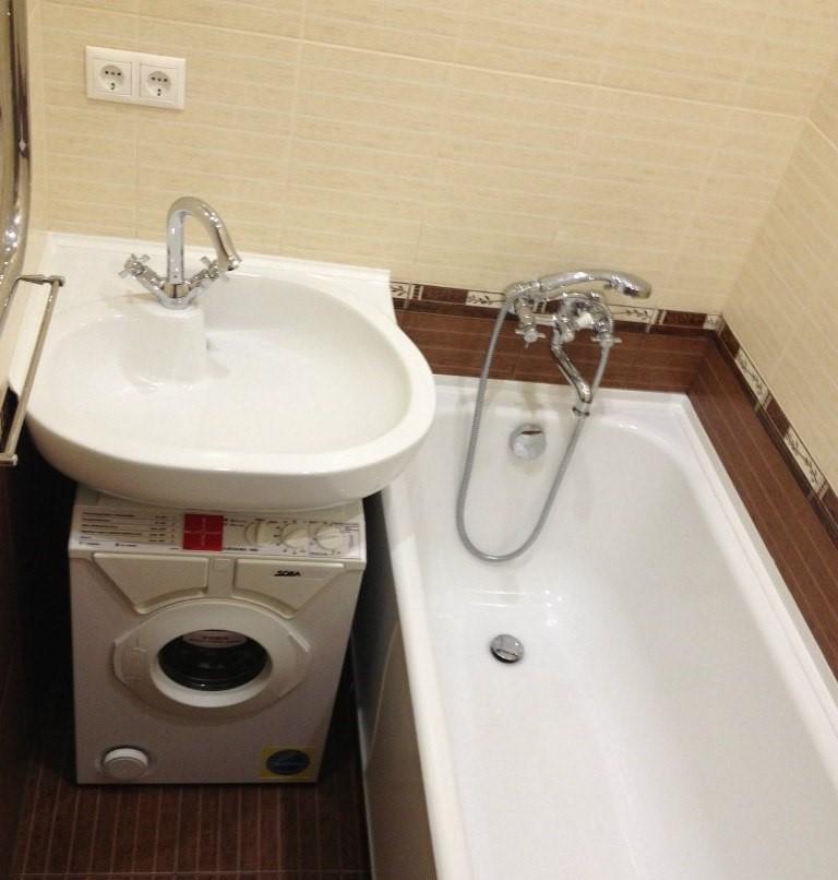 стиральная машина в маленькой ванной фото